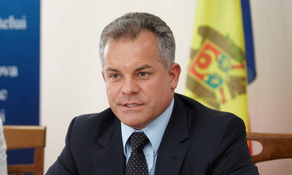 Plahotniuc îl sfidează pe ambasadorul SUA la Chișinău