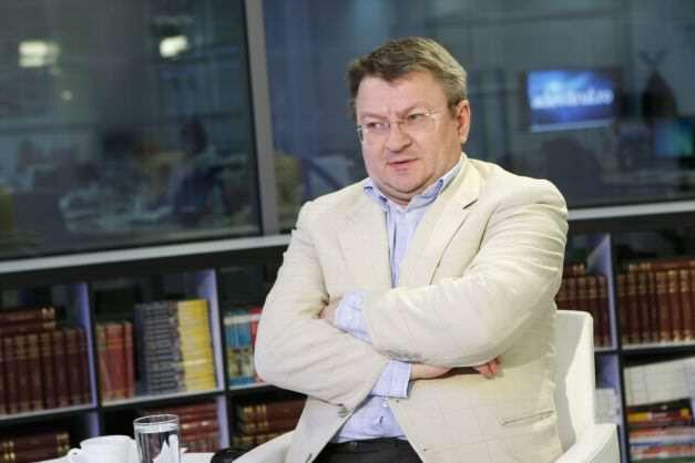 """Armand Goşu: """"Moldova e condusă de o clică rapace, care spală miliarde din banii mafiei ruse"""""""
