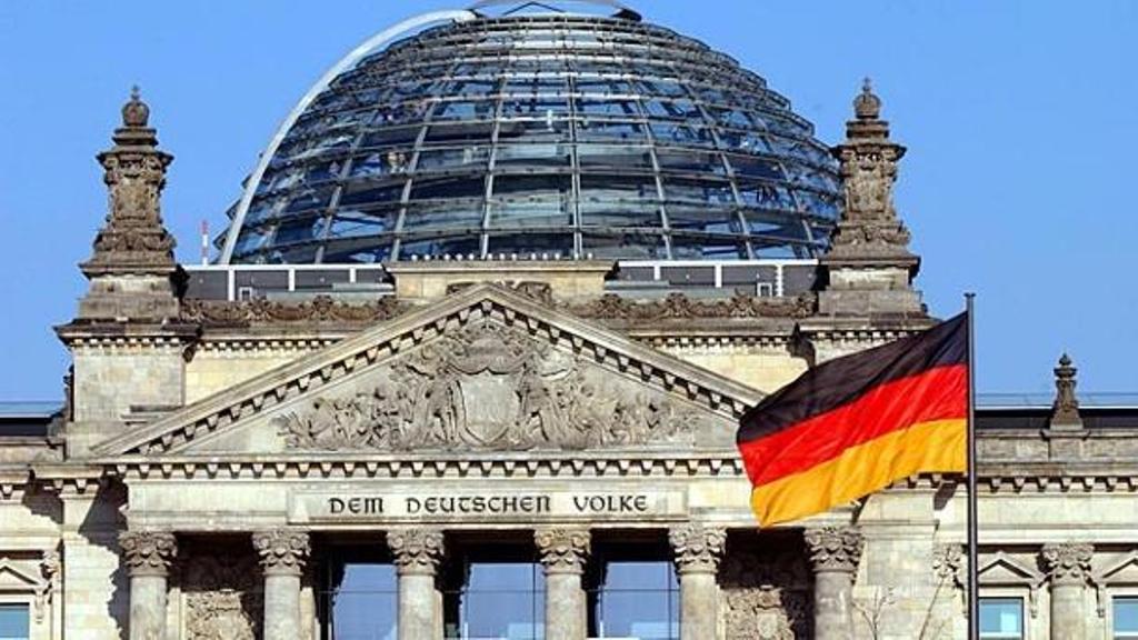 Reacția Rusiei la acuzațiile că ar fi piratat computere ale Guvernului german: Doar în 1945 am pătruns în Bundestag