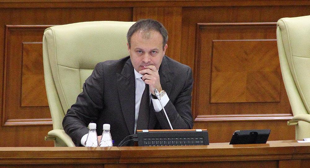 Fără limba română în Constituție: Candu a refuzat să introducă pe ordinea de zi a Parlamentului proiectul