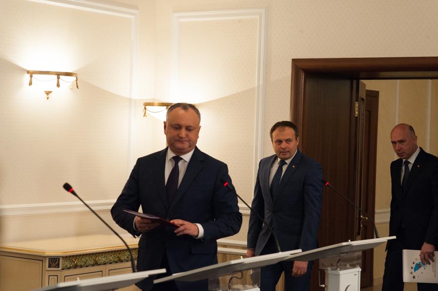 Igor Dodon, suspendat din funcţie pentru a cincea oară