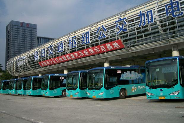 Autobuzele electrice, motiv de îngrijorare pentru industria petrolieră