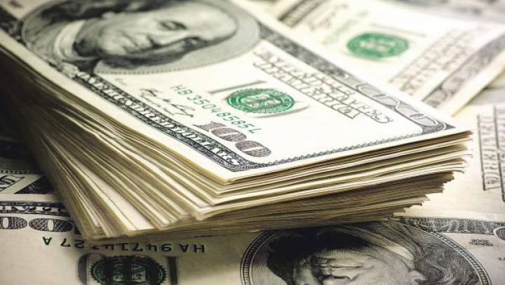 Milioane de dolari spălați de ruși prin bănci din Moldova au ajuns în imobile și mașini din Spania