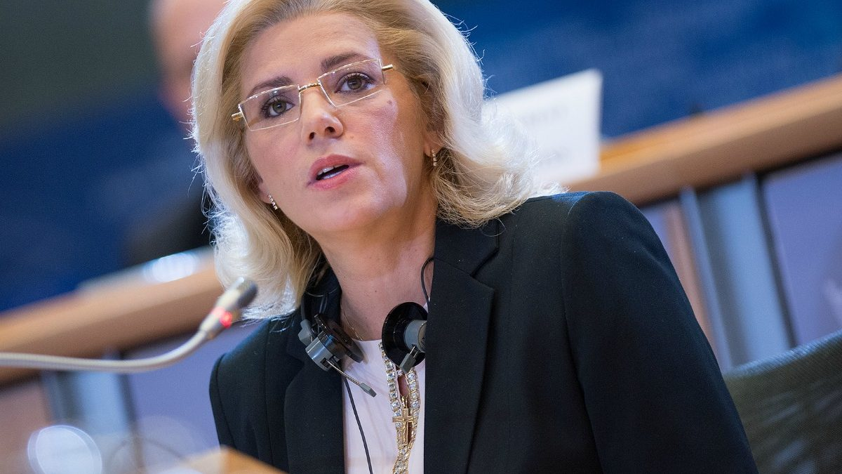 Comisarul European Corina Crețu vine la Chișinău