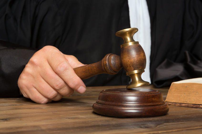 """Poliţistul implicat în dosarul """"mitei pentru procurori"""", amendat cu 90.000 de lei"""