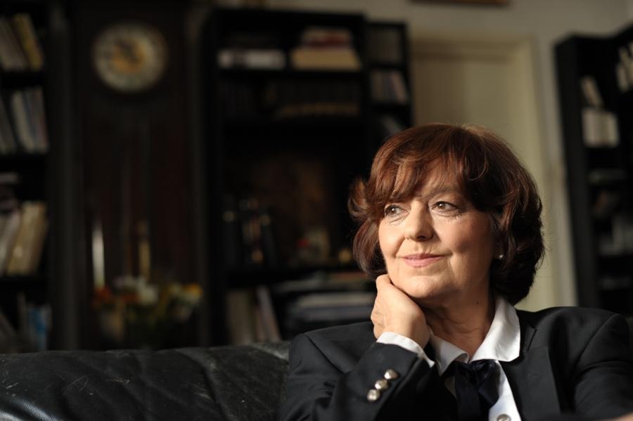 Ana Blandiana: Ura, corupţia, manipulările și ştirile false au depărtat Chişinăul de Bruxelles şi Bucureşti
