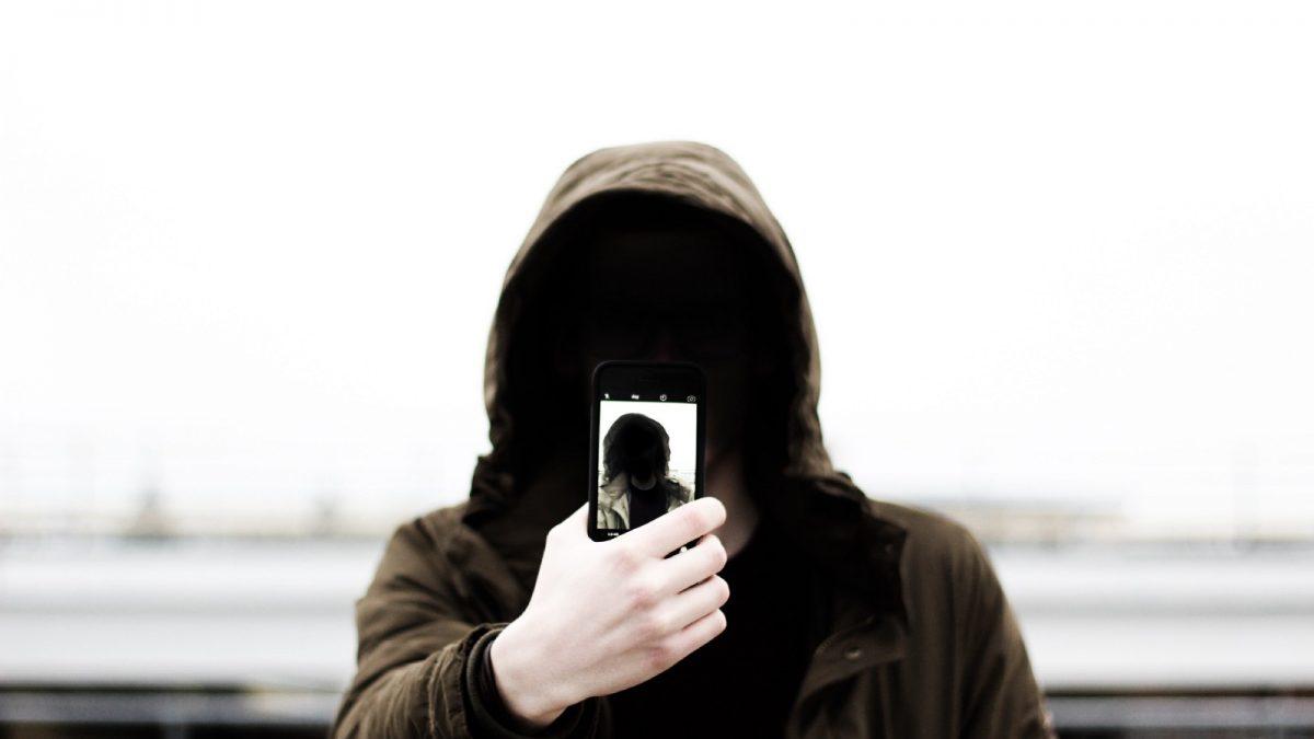 Cum poți fi spionat prin bateria smartphone-ului tău, indiferent de telefonul pe care îl ai