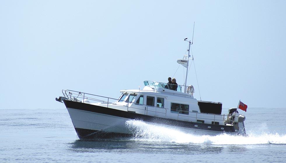 Ce aduce valul: 10 tone de hașiș găsite de poliția italiană pe o barcă în largul mării