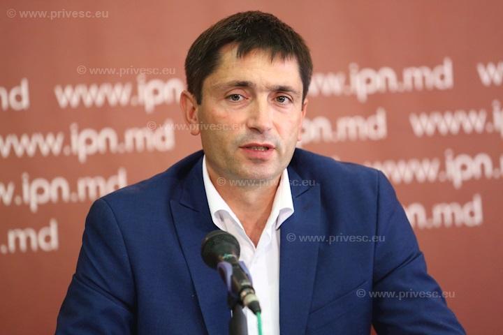 Primarul de Băcioi cere azil politic în UE sau SUA; Acuză presiuni din partea lui Țuțu