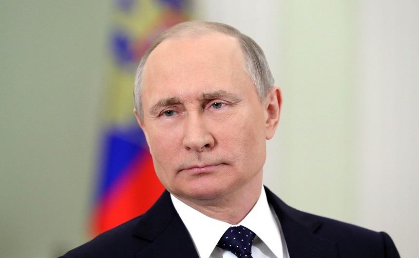Vladimir Putin ameninţă cu dezvoltarea unor noi rachete cu rază intermediară de acţiune, dacă SUA ies din Tratatul nuclear INF