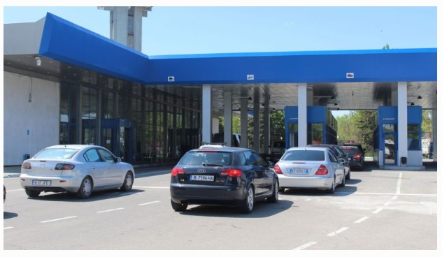 Autovehiculele neînmatriculate în Republica Moldova vor achita vinieta la intrarea în țară