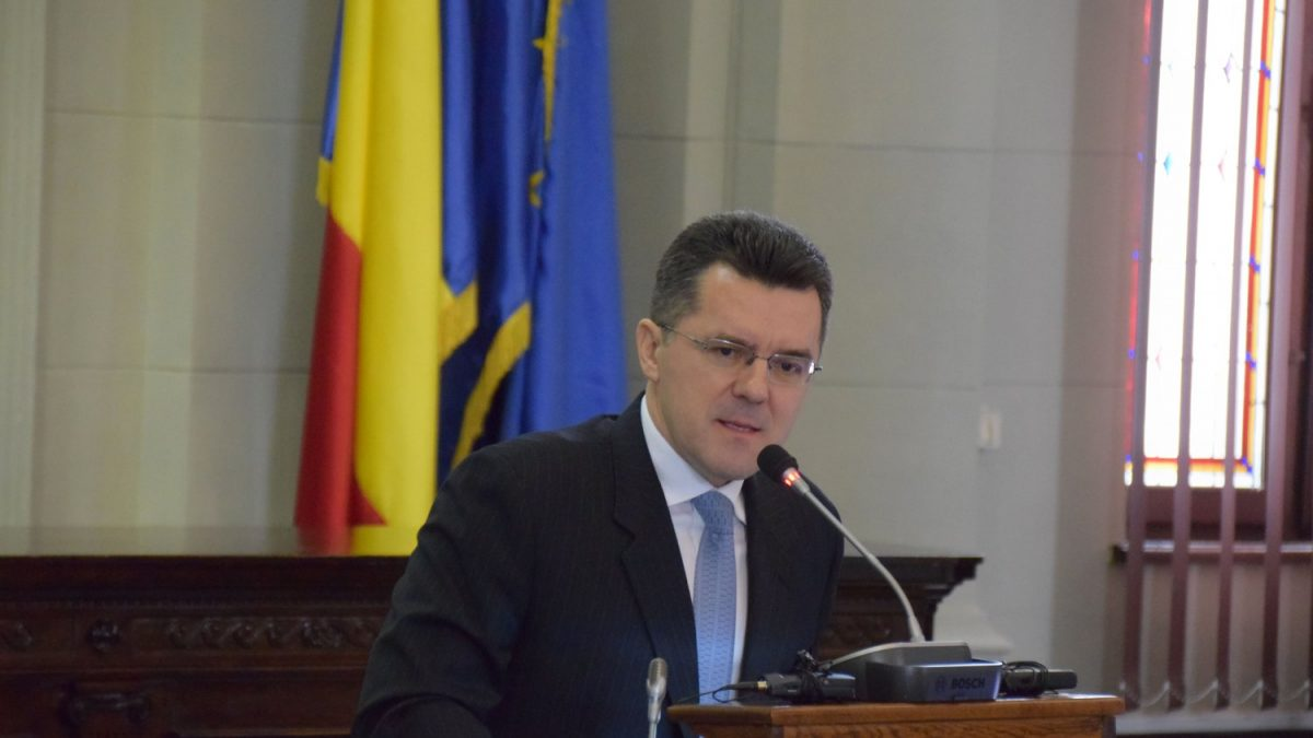 Analist român: Din punct de vedere identitar, nu există diferențe între Plahotniuc, Dodon sau Voronin
