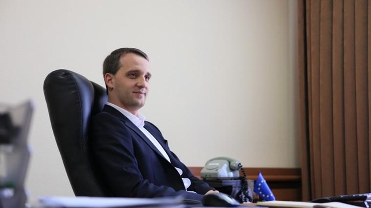 Ministrul Apărării, criticat de București pentru absența de la summitul NATO de la Bruxelles