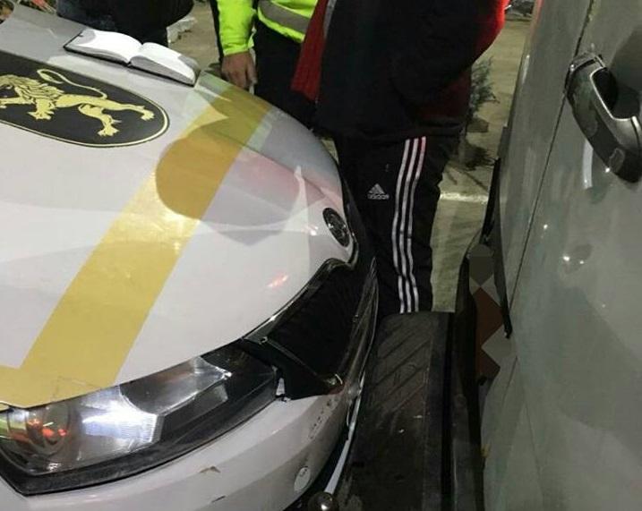 Beat și fără permis de conducere: Un cetățean uzbec a accidentat intenționat o mașină a INP