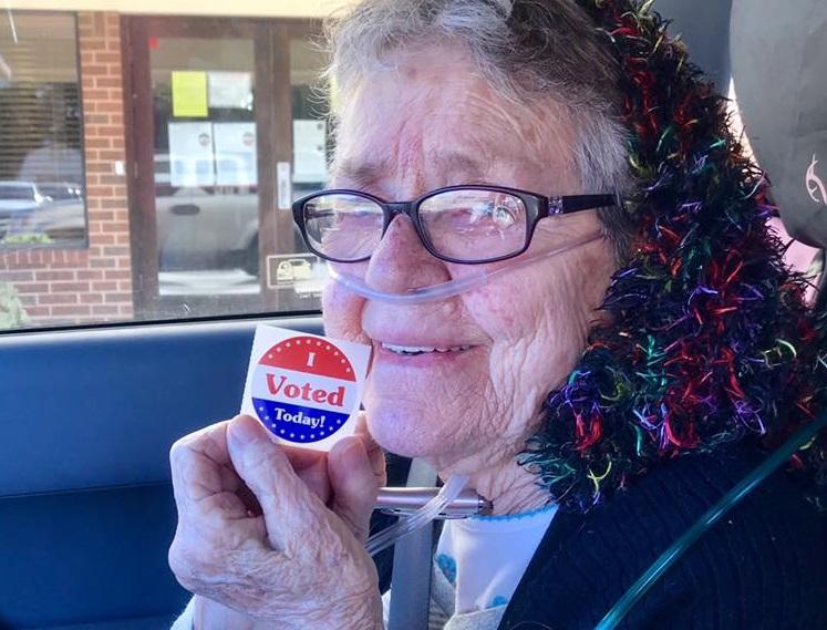 Bătrâna care a votat în 2018 pentru prima dată în viața ei a murit. De ce ieșise la vot abia la 82 de ani
