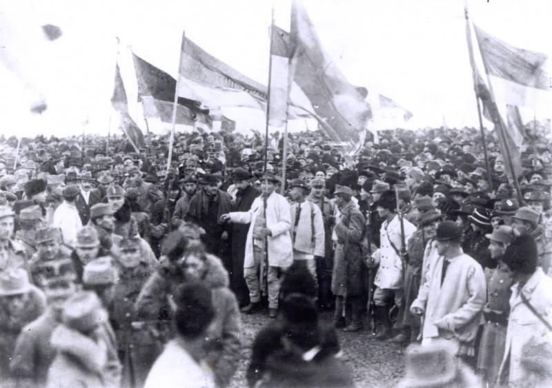 Octavian Țîcu// Uniți în dezbinare