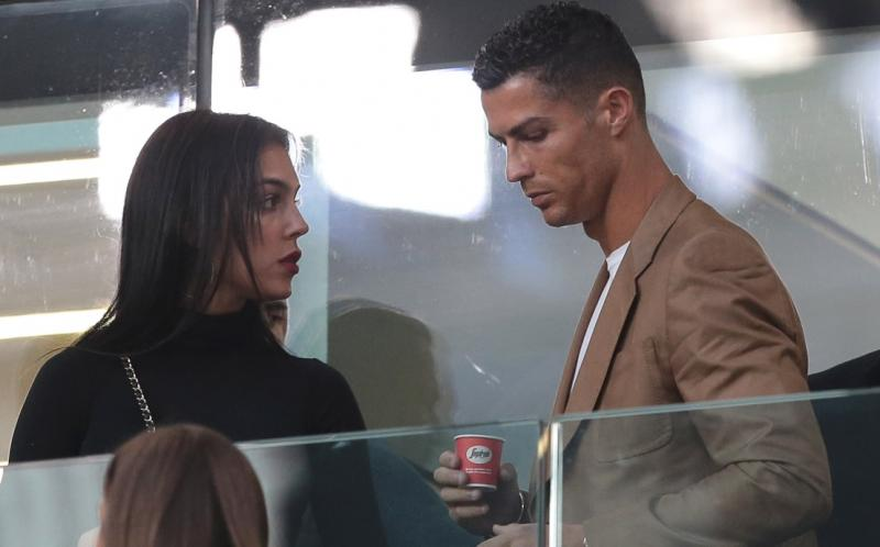 Cât a cheltuit Cristiano Ronaldo, în 15 minute, pentru două sticle de vin