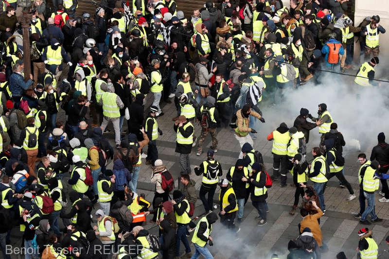 """""""Vestele galbene"""", ultimatum președintelui Macron"""
