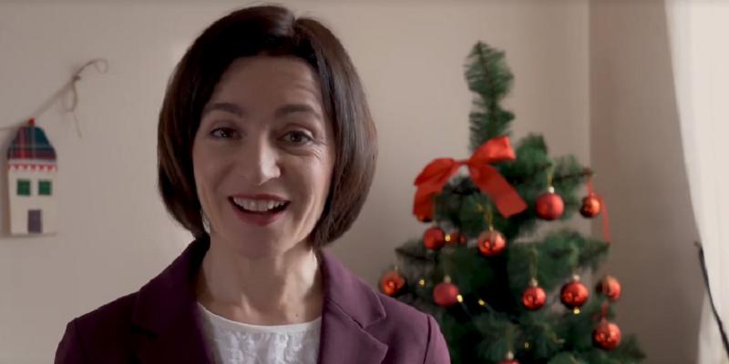 (VIDEO) Membrii PAS, în rol de urători; Mesajul Maiei Sandu