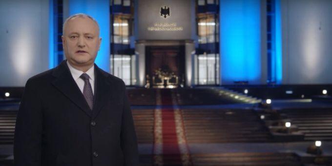 (VIDEO) Mesajul preşedintelui Republicii Moldova, Igor Dodon, la trecerea dintre ani