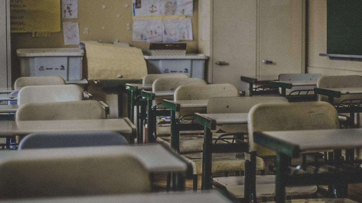 Un elev de 7 ani din suburbia Moscovei a fost bătut crunt de colegii săi; Bătaia a avut loc la îndemnul învățătoarei