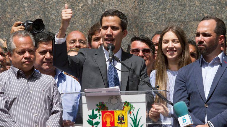 """Liderul opoziției din Venezuela, Juan Guaido, susţine că țara sa """"trăieşte un moment aproape magic"""""""