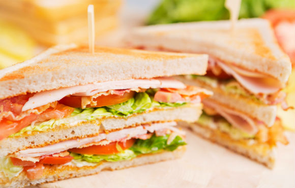 Un deputat din Slovenia a furat un sandwich dintr-un supermarket; Oficialul a vrut să testeze sistemul de securitate al magazinului
