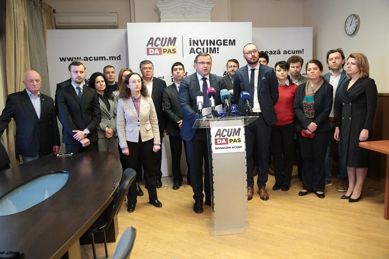 Vor merge deputații de la ACUM la consultări cu Dodon? Ce spune Năstase