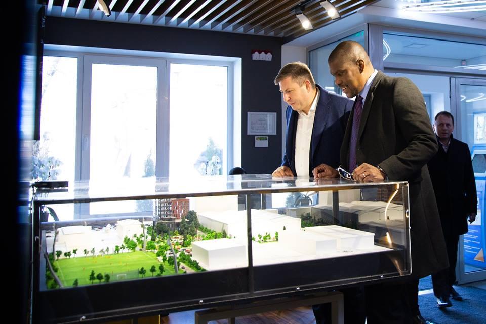 """(FOTO) Ambasadorul SUA la Chișinău a vizitat """"Digital Park"""""""