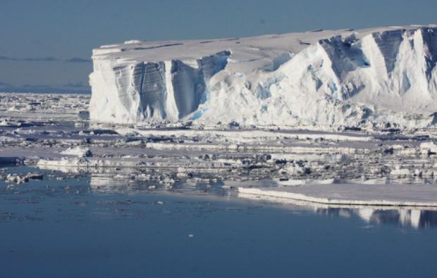 Amenințarea nucleară care se ascunde în spatele topirii calotei glaciare