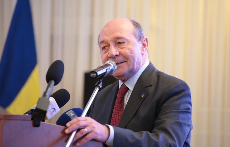 """Băsescu: """"L-aș trece pe Plahotniuc în opoziție și m-aș duce cu socialiștii"""""""