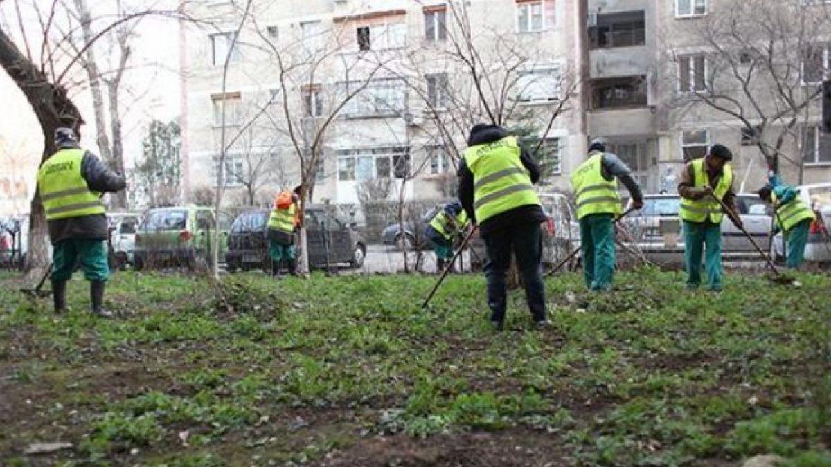 """Chișinăuienii, îndemnați să participe sâmbătă la """"Curățenia generală a curților de blocuri"""""""