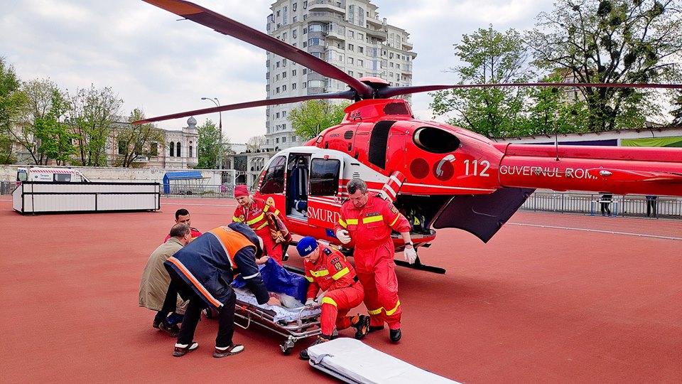 Un bărbat din Nisporeni, adus cu elicopterul SMURD la Chișinău