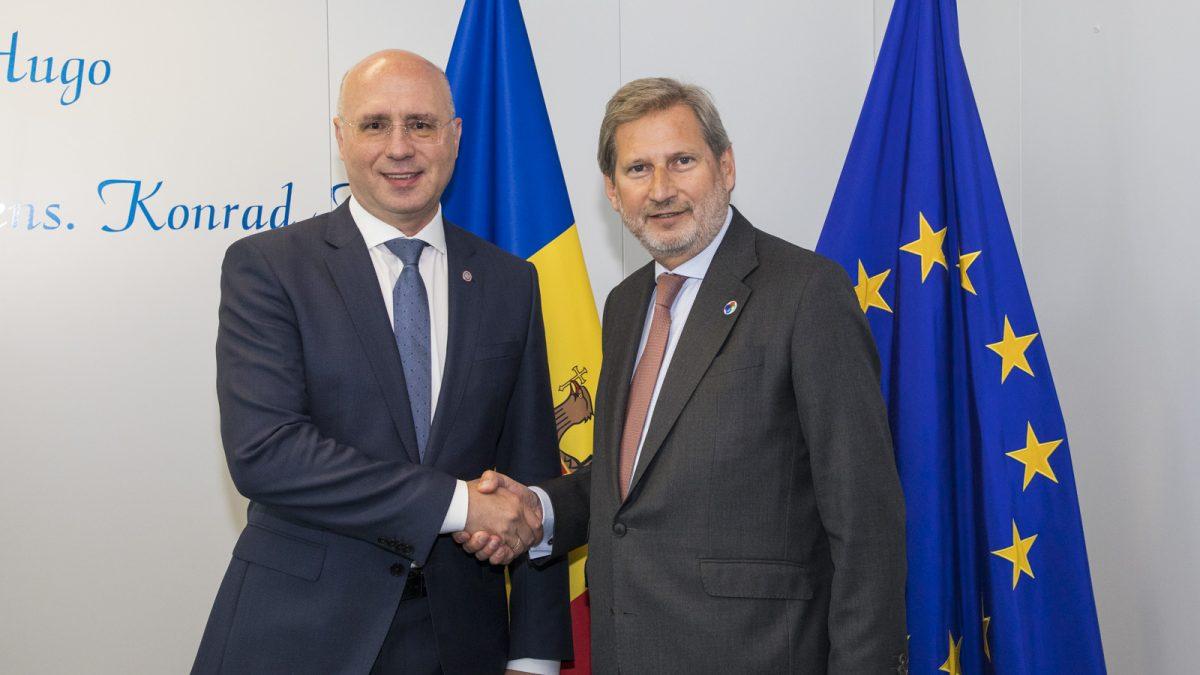 Filip i-a cerut lui Hahn reluarea asistenței financiare pentru Republica Moldova