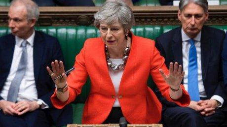 Premierul Theresa May și-a anunțat demisia; A terminat discursul în lacrimi