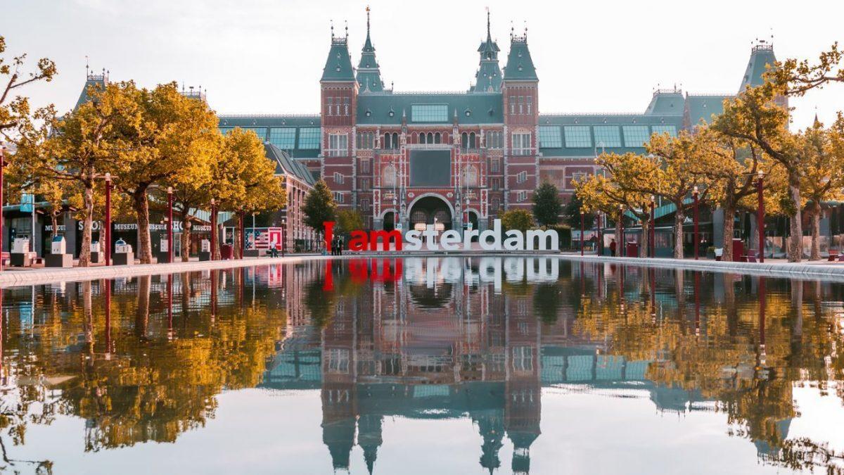 Turiștii vor trebui să achite o taxă suplimentară în Amsterdam