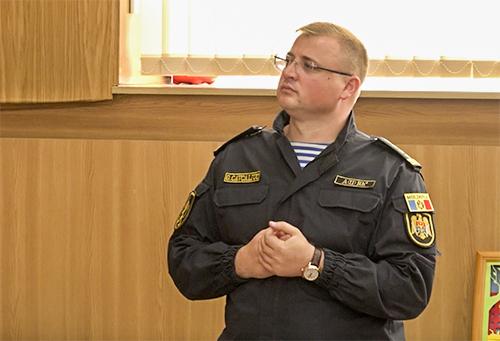 """Cavcaliuc comentează criza politică printr-o poezie: """"Polițiștii au onoare. Ei sunt gata pentru țară, într-o zi chiar și să moară"""""""