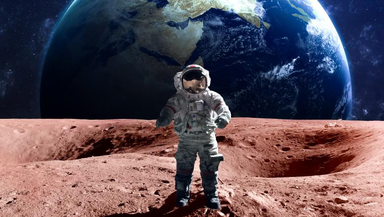 astronaut care cauta o femeie capricioasa Dating femeie Guilane.